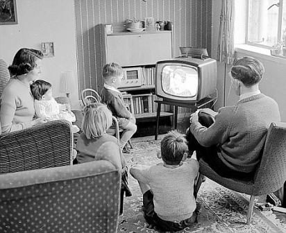 Advantage And Disadvantages Of Television In Points For Debate English